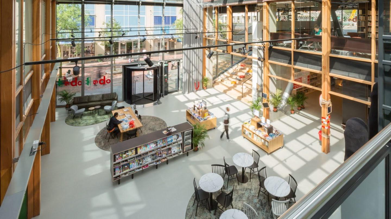 Bibliotheekinrichting met een vernieuwend concept...